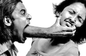 Mujer maltratada en latinoamerica