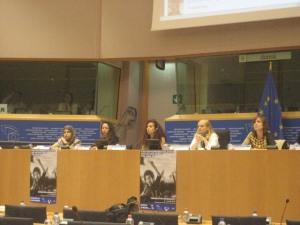 De izquierda a derecha: Dalia Ziada, Leïla Ghandi, Henda Chennaoui, Paula Fernández Hervás y Dagmar Schumacher/Crédito: Lidia Vilalta. La Independent.