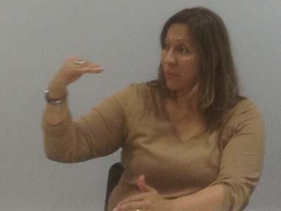 Diva Criado. En la charla sobre el libro, en el Colegio de Periodistas de Barcelona. Fotos Amada Santos