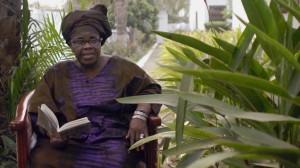 La escritora ghanesa Ama Ata Aidoo